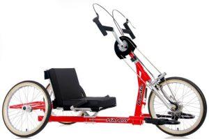 Modelo de bicicleta adaptada color rojo y asiento bajo