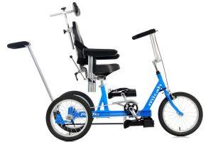 Modelo de bicicleta adaptada en color azul