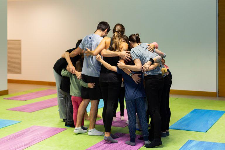 Participantes del taller en medio de un ejercicio